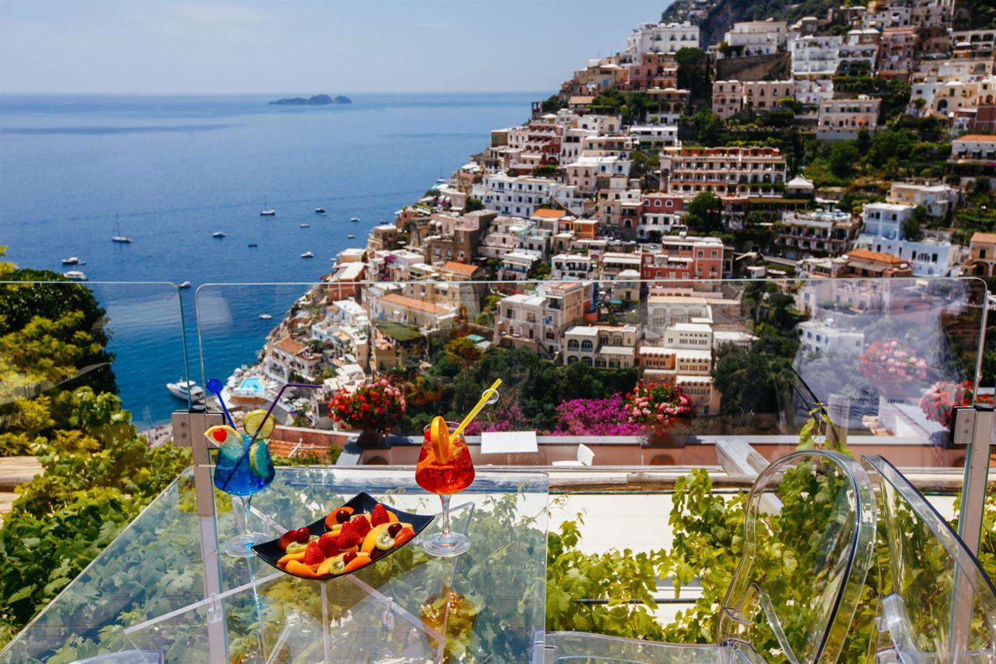 travel in amalfi coast