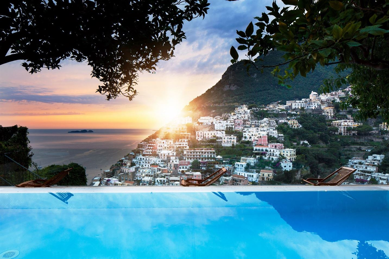 Villa Fiorentino infinity pool